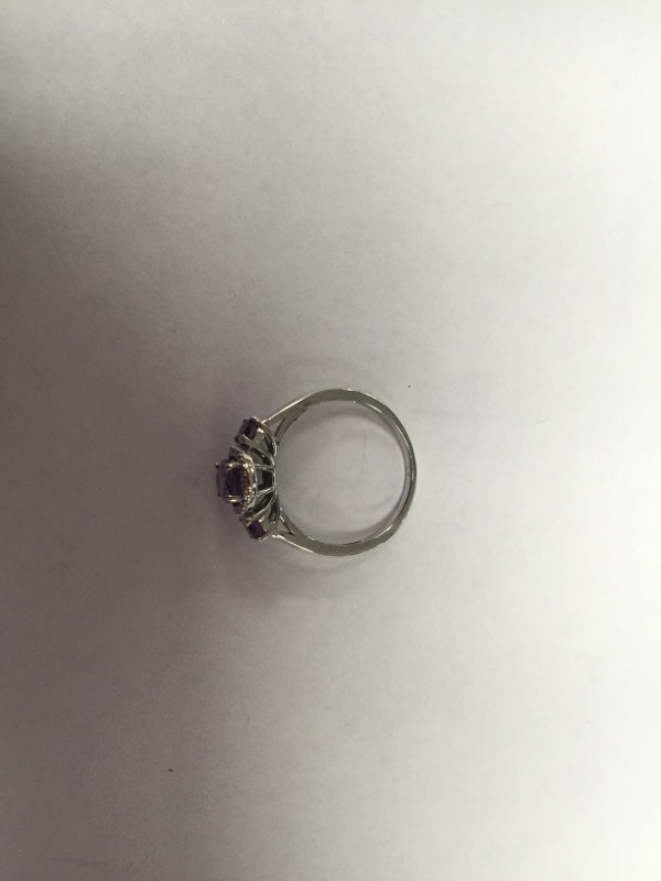 Purple Stone Lady's Silver & Stone Ring 925 Silver 2.3g