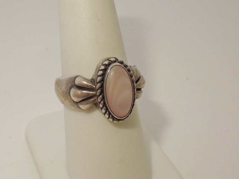 Synthetic Mother Of Pearl Lady's Silver & Stone Ring 925 Silver 9g