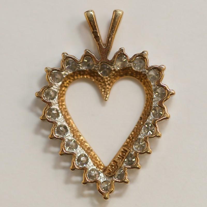 10K Yellow Gold Round Brilliant Diamond Heart Pendant
