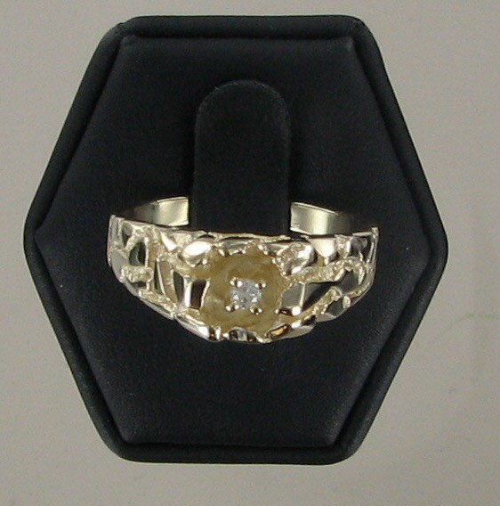 Gent's Diamond Solitaire Ring .10 CT. 10K Yellow Gold 4.5dwt