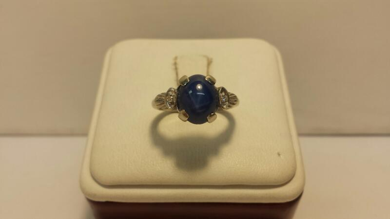 14k White Gold Ring with 3 Stones - 2dwt - Size 5
