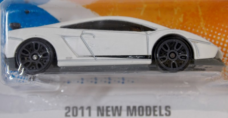 HOT WHEELS 2011 NEW MODELS LAMBORGHINI GALLARDO LP 570-4 SUPERLEGGERA