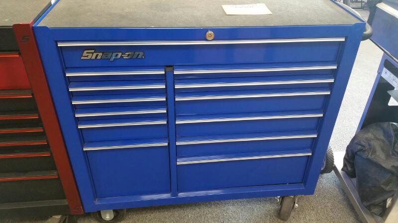 SNAP ON Tool Rollaway Box KRA4813FPCM