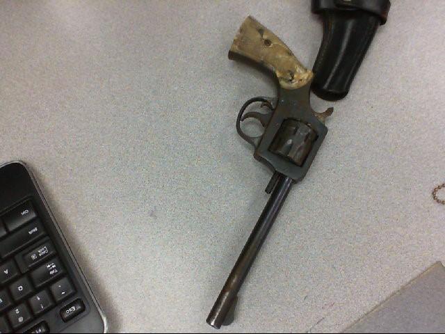 HARRINGTON & RICHARDSON Revolver MODEL 922