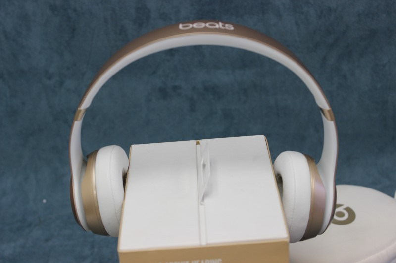 Beats Solo 2 Wireless Special Edition Gold - Model# B0534