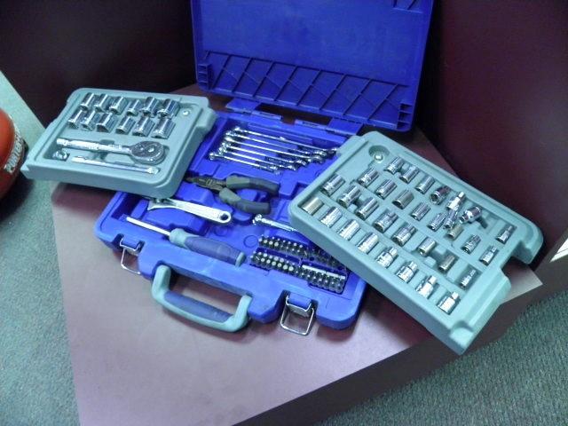 KOBALT TOOLS Combination Tool Set 200 PC TOOLSET IN TRI-FOLD CASE