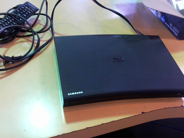 SAMSUNG DVD Player BD-J5900