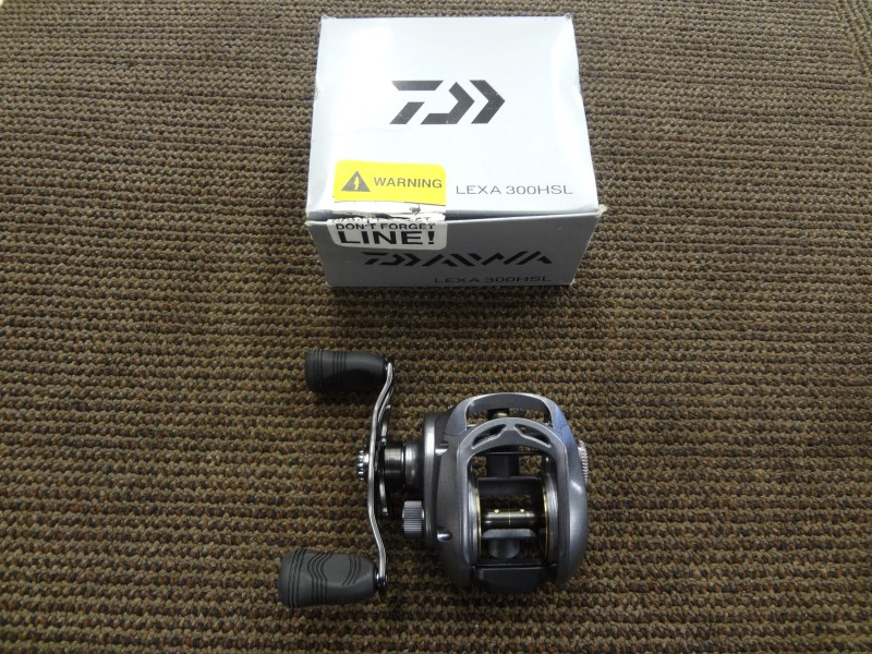 DAIWA LEXA 300HSL HIGH CAPACITY LOW-PROFILE BAITCAST REEL (LEFT HAND) WITH BOX