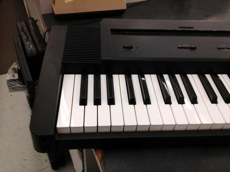 roland keyboards midi equipment ep 7ii digital piano good buya. Black Bedroom Furniture Sets. Home Design Ideas