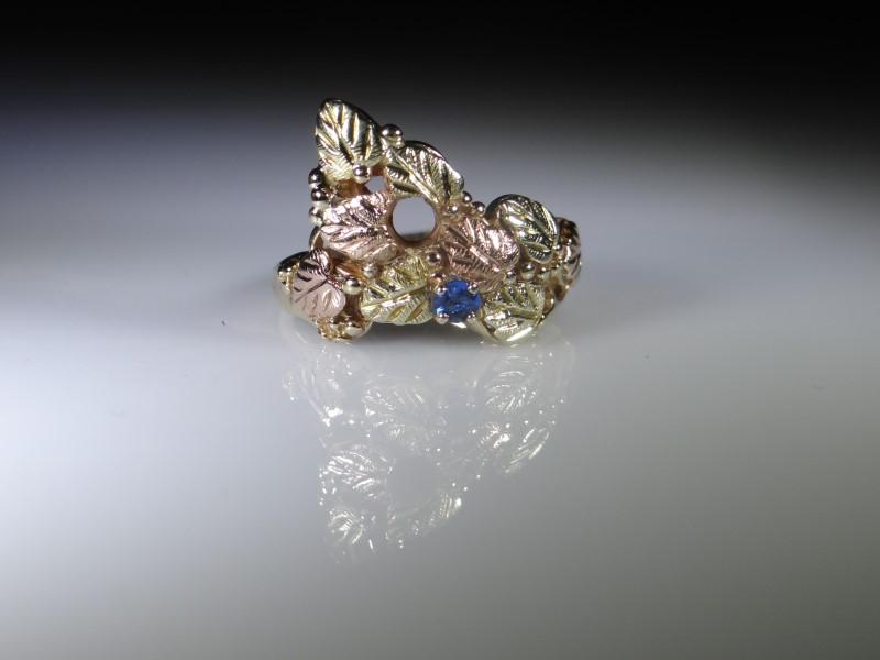 Blue Stone Lady's Stone Ring 10K 2 Tone Gold 5.44g