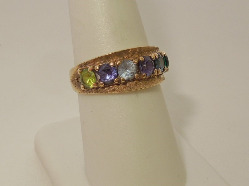 Synthetic Amethyst Lady's Stone Ring 10K Yellow Gold 3.8g
