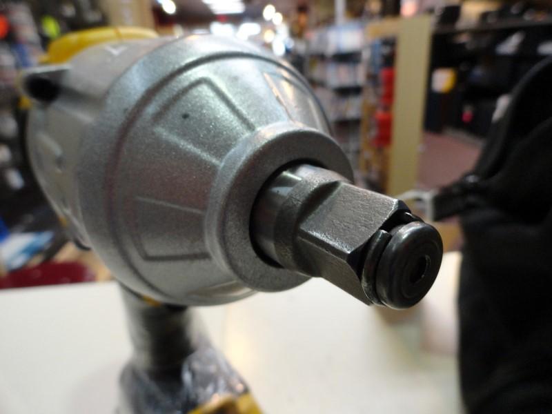 "Dewalt DCF889H 1/2"" Cordless Impact Wrench 20v Max Lithium Ion"