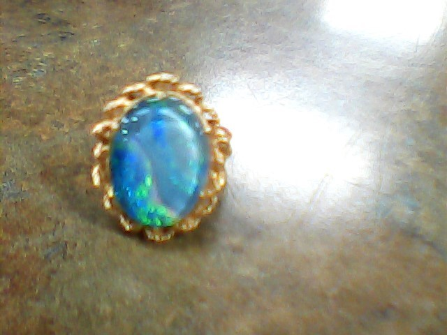 Synthetic Opal Lady's Stone Ring 14K Yellow Gold 8.9g