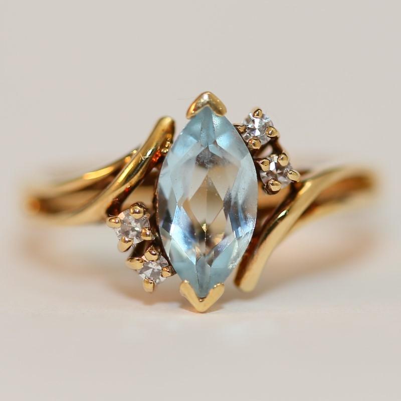 14K Yellow Gold Marquise Cut Aquamarine and Diamond Ring Size 6.25
