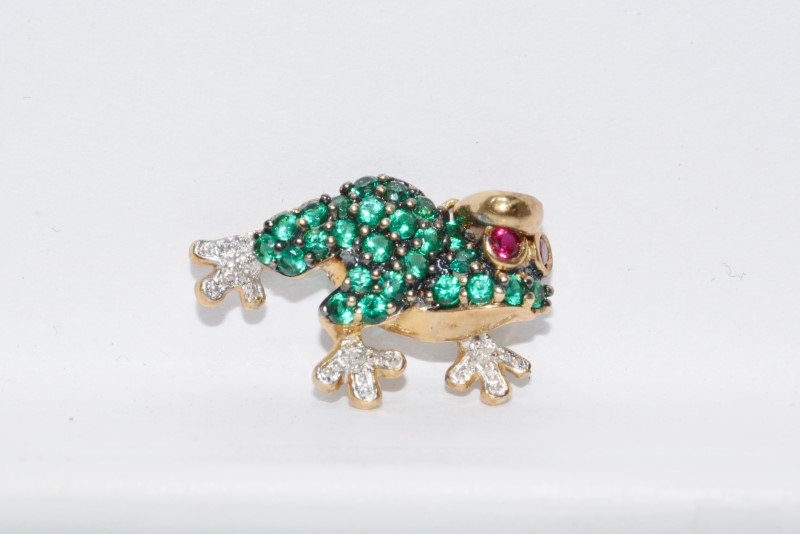 Alwand Vahan 10K Yellow Gold Green Stone Encrusted & Diamond Frog Pendant