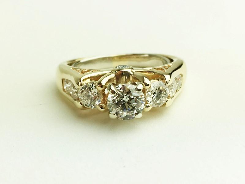 LADIES 14K YG DIAMOND RING APX 1.53CTW SIZE 7