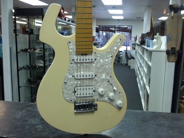 PARKER GUITARS Electric Guitar P-32