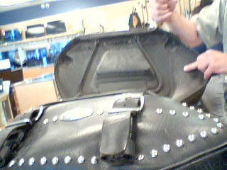 HARLEY DAVIDSON Luggage SADDLE BAGS 2