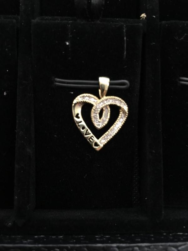 Gold-Multi-Diamond Pendant 24 Diamonds .24 Carat T.W. 10K Yellow Gold 1dwt