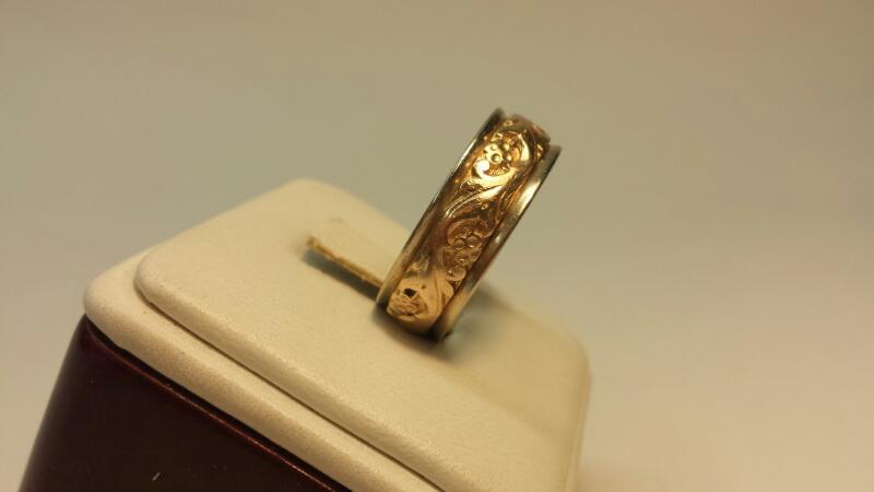 14k 2 Tone Gold Carved Ring 7.3dwt - Size 11.5 - ArtCarved