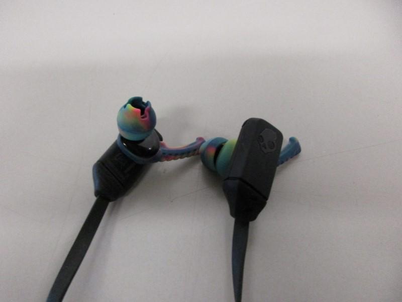 SKULLCANDY XTFREE SPORT PERFORMANCE BLUETOOTH HEADPHONES, BLACK