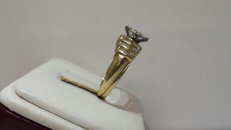 10k Yellow Gold Ring with 35 Diamonds at .49ctw - 3.5dwt - Size 8.5