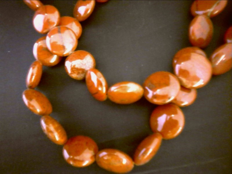 RED JASPER NECKLACE WITH FLAT DISK BEADS
