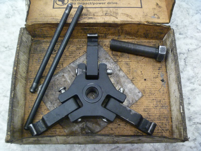 BLUE POINT YA9740B HARMONIC DAMPER PULLEY PULLER WITH ORIGINAL BOX