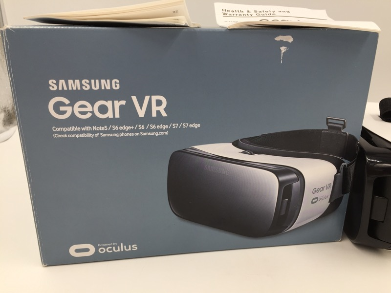 SAMSUNG GEAR VR OCULUS FOR S6 S7 NOTE5 IN ORIGINAL BOX