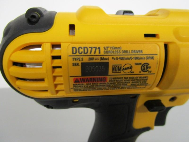 """DEWALT DCD771 1/2"""" CORDLESS DRILL DRIVER KIT"""