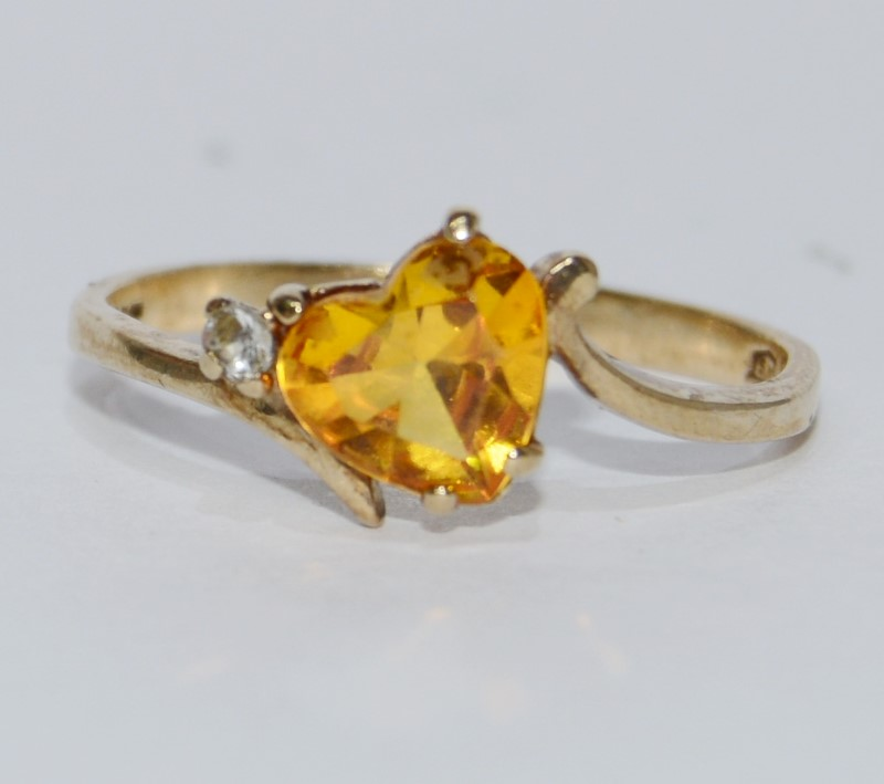 10K Yellow Gold Tilted Citrine Heart & Diamond Ring Size 6.75
