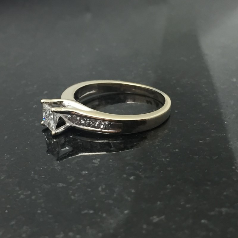 Lady's Diamond Solitaire Ring 11 Diamonds .98 Carat T.W. 14K White Gold 2.7dwt