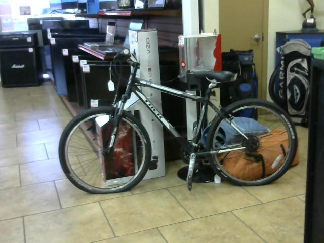 TREK Mountain Bicycle 820