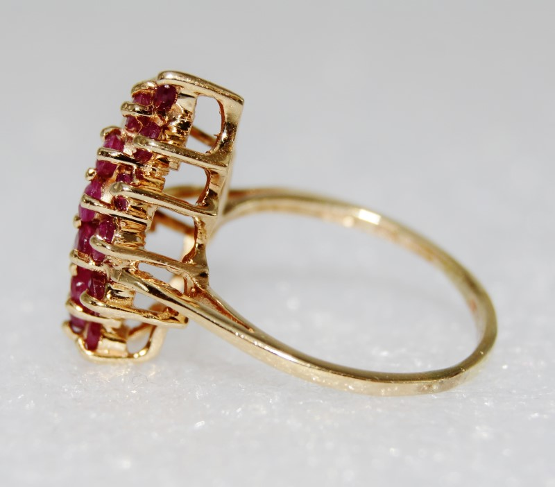 14K Yellow Gold Unique Ruby & Diamond Cluster Statement Ring Size 7