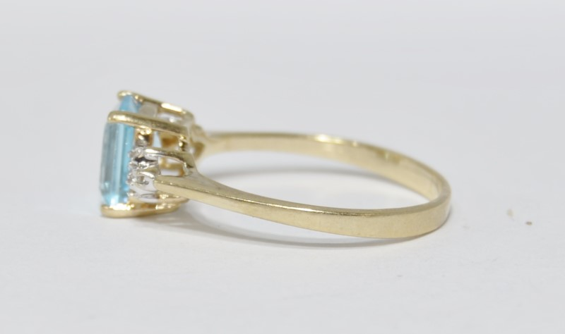 10K Yellow Gold Cathedral Set Emerald-Cut Aquamarine & Diamond Ring Size 8.75