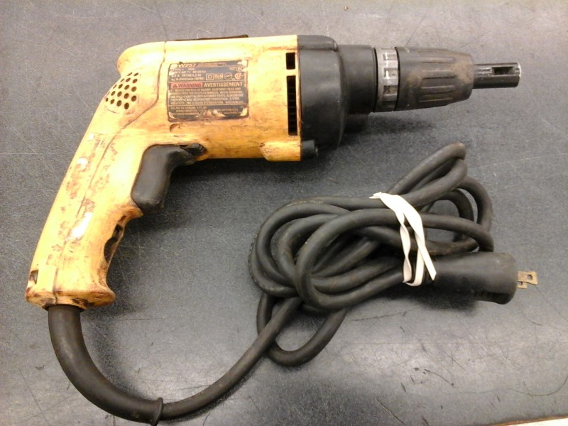 DEWALT Screw Gun DW257