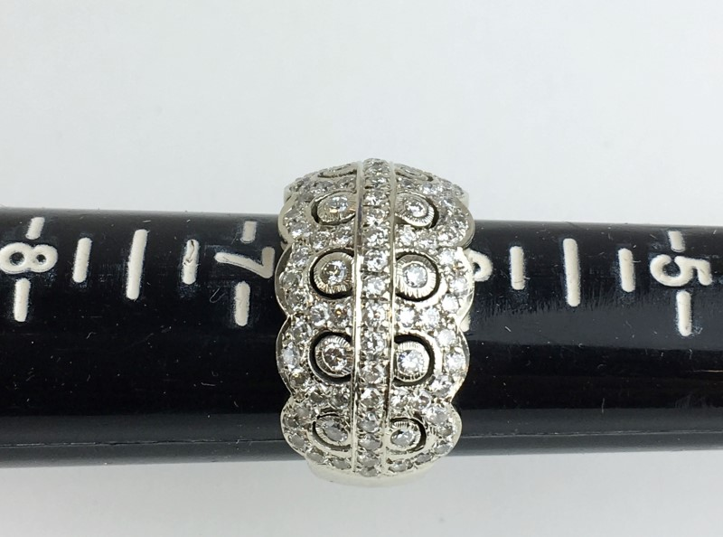 LADIES 14KT WHITE GOLD DIAMOND CLUSTER RING APX 1.38CTW SIZE 7
