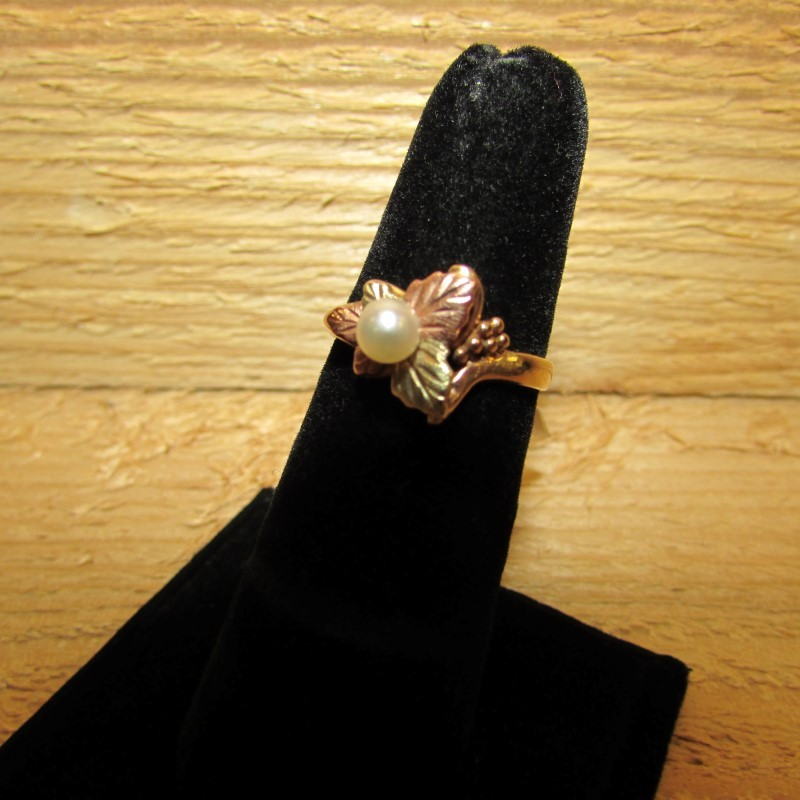 Synthetic Pearl Lady's Stone Ring 10K 2 Tone Gold 3.3g Size:6.5