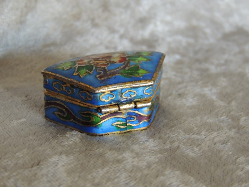 Vintage Mexico Silver Mother of Pearl Trinket Box Jewelry Small