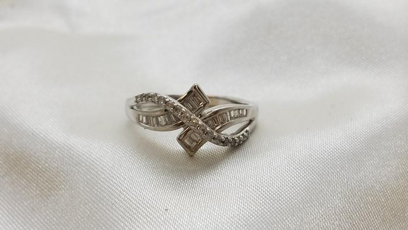 Lady's Diamond Fashion Ring 41 Diamonds .58 Carat T.W. 14K White Gold 4.4g