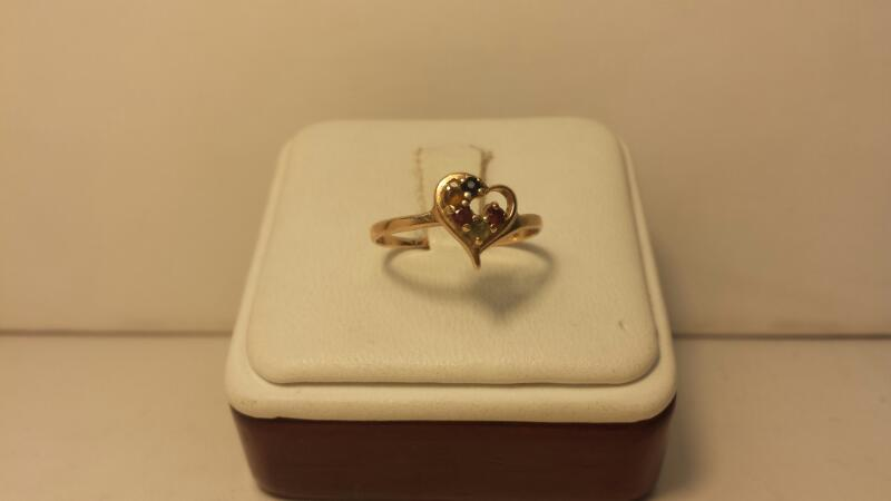 10k Yellow Gold Mothers Ring with 5 Stones - .9dwt - Szie 7