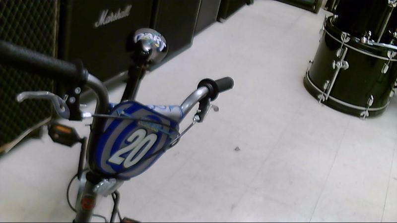SCHWINN BMX STYLE BIKE DARTS1856WM