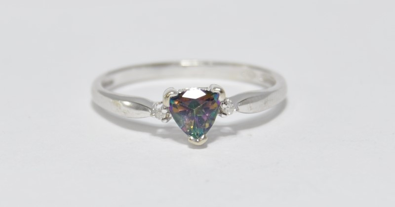 10K White Gold Tapered Band Trillion Cut Mystic Topax & Diamond Ring sz 7.25