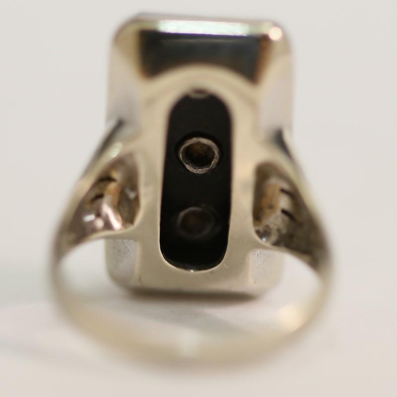 Antique 10K W/G Cabochon Cut Onyx and Brilliant Diamond Ring Size 6