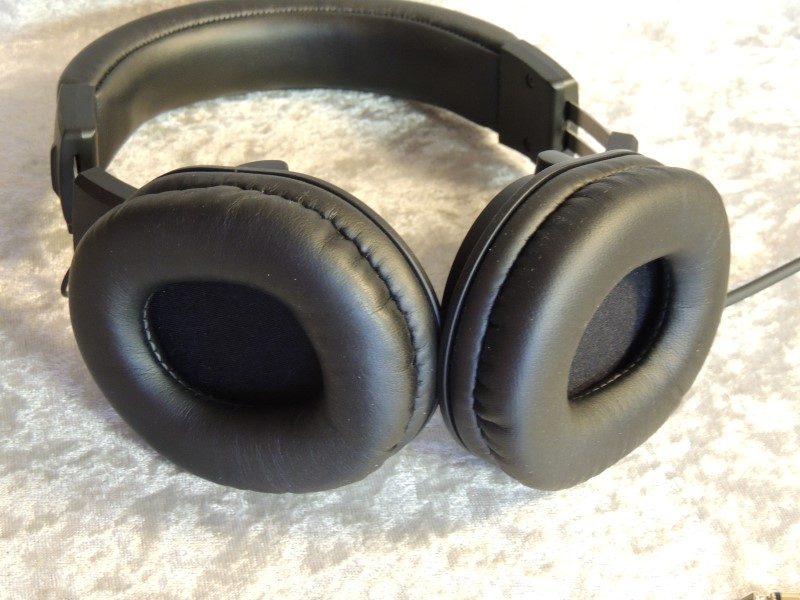 Audio-Technica ATH-M20x Professional Headphones Black Wired EUC
