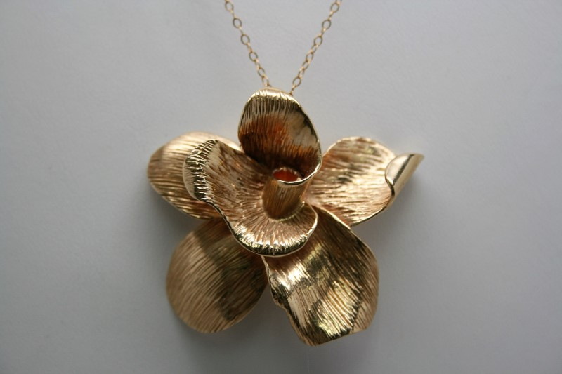 LARGE FLOWER PENDANT 14K YELLOW GOLD