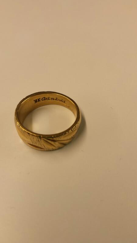 Lady's Gold Ring 14K Yellow Gold 4.1dwt Size:7