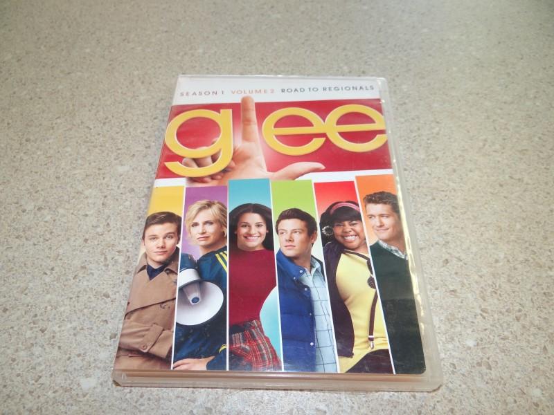 GLEE SEASONE 1 VOLUME 2 ROAD TO REGIONALS - 3 DVD SET