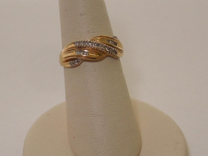 Lady's Diamond Fashion Ring 23 Diamonds .165 Carat T.W. 14K Yellow Gold 2.3g