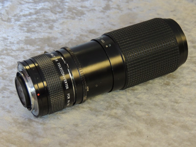 TOKINA LENS 80-200MM F4.0 with KIRON MC7 TELECONVERTER plus Case